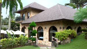 Fine Dining at Cyberview Lodge Resort and Spa