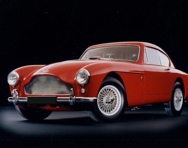 Luxurious Classics - Aston Martin DB Mark III 28