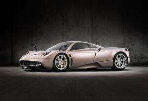 Luxurious features the Pagani Huayra Page 2 7
