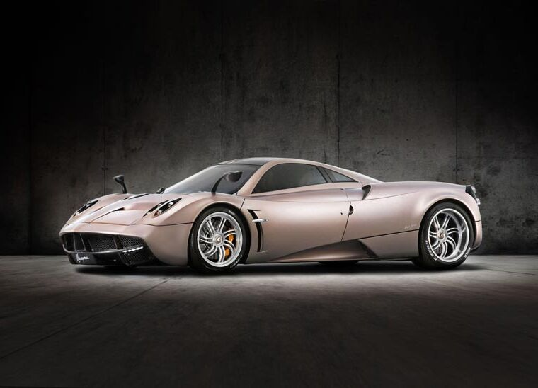 Luxurious features the Pagani Huayra Page 2 15