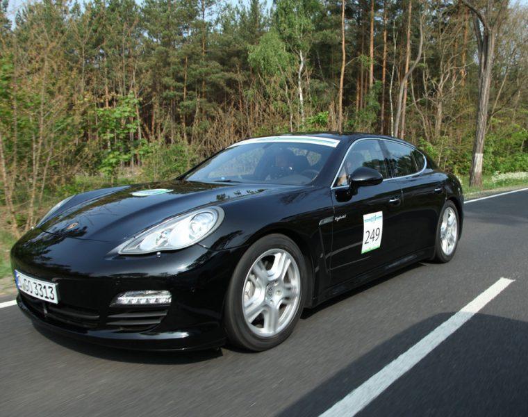 Porsche Panamera S Hybrid and 911 Carrera win at Intercity Rally at the eleventh Michelin Challenge Bibendum