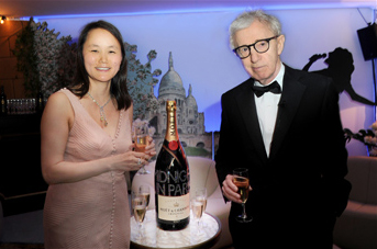 Wooden Allen sign a Jeroboam at Toast for a Cause