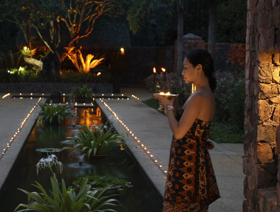 One treat that no one staying at Tanjong Jara should miss is a visit to the wonderful treatments available in the Spa Village