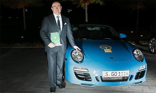 The Porsche 911 Speedster has been honoured with the Golden Classic Steering Wheel