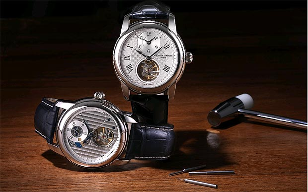 Frederique Constant introduces the new Heart Beat Manufacture GMT Automatic