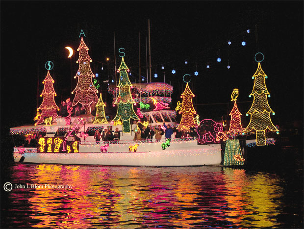 Super Yachts and modest canoes compete in 103rd Annual Newport Beach Christmas Boat Parade