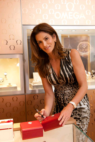 The new Omega store in Buenos Aries is opened by super model Cindy Crawford