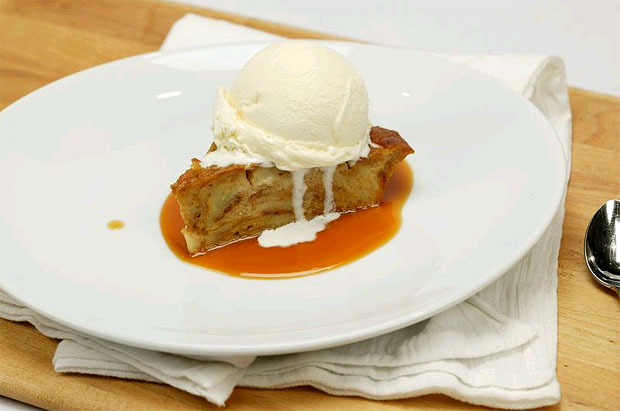 Pumpkin Bread Pudding Recipe - Quick, easy and the perfect treat for this time of the year.