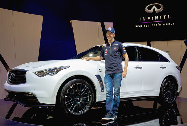 Sebastian Vettel's Infiniti FX to enter production, performance target 300km/h and 420PS
