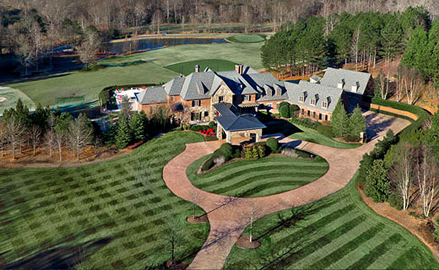 Former Major League Baseball Player John Smoltz puts Mansion on Market