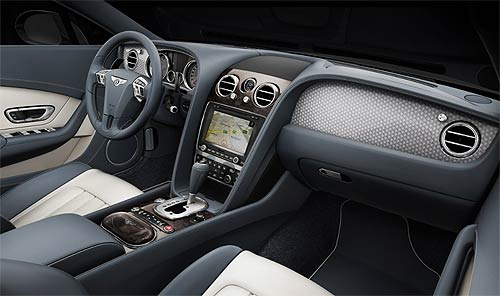 The cockpit of the two Continental V8 models has a correspondingly sporty ambience, featuring a new veneer, Dark Fiddleback Eucalyptus, for the fascia and trim.