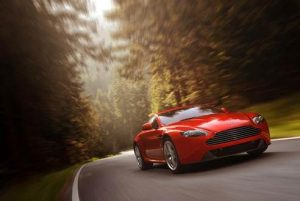 In the most comprehensive programme of enhancements since 2008, the revised 4.7-litre 420bhp (426PS/313kW) entry-level V8 Vantage features a raft of improvements first seen in the critically acclaimed Vantage S.