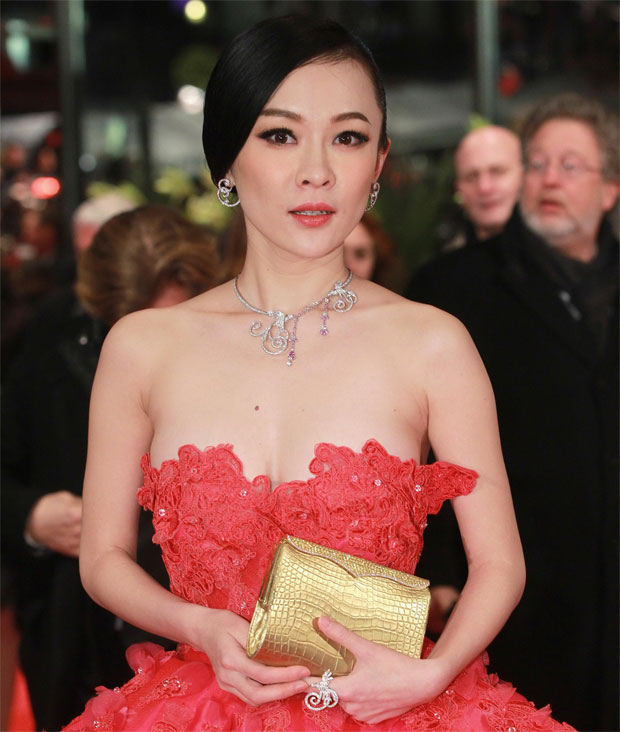 Huo Siyan wearing Van Cleef & Arpels for the screening of the movie Farewell My Queen. ©Huo Siyan - Van Cleef & Arpels - Photo by Sean Gallup  - Getty Images