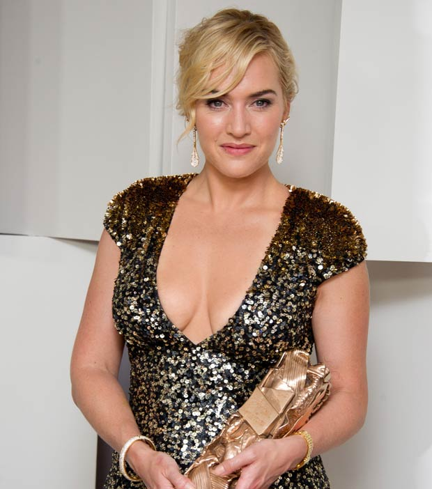 Kate Winslet chose Van Cleef & Arpels to receive her honorary César award. Kate Winslet - Van Cleef & Arpels©Photo by Marc Piasecki/Getty Images Kate Winskette
