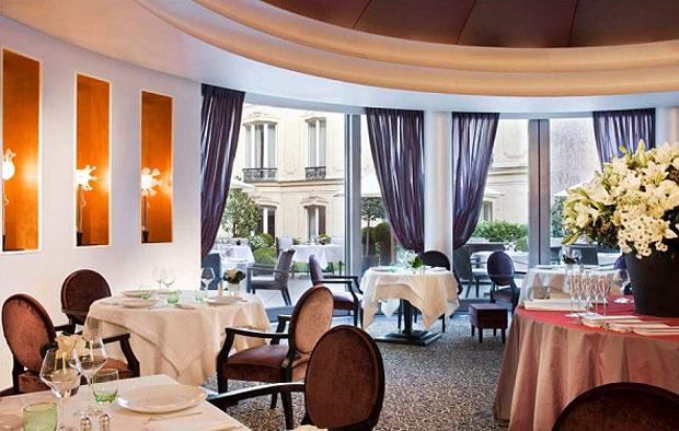 Le Diane, Hôtel Fouquet's Barrière's gastronomic restaurant is awarded its first Michelin Star.