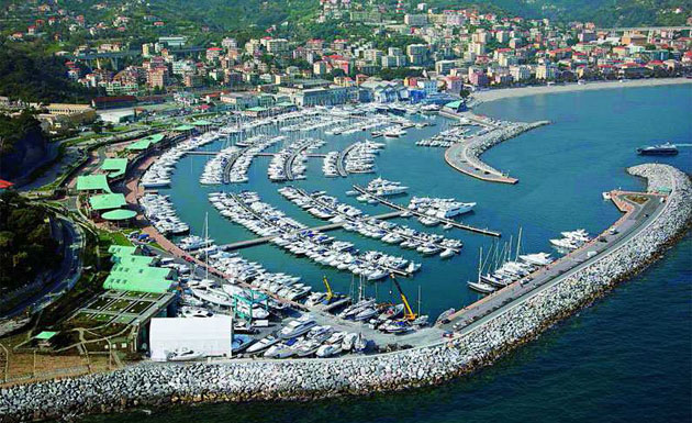 Azimut Yachts Atlantis open weekend at Marina di Varazze.