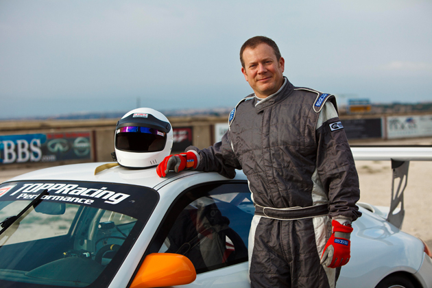Robert L Turner Drives Ultimate Novel for the Car and Racing Enthusiast.