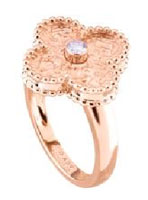 Van Cleef & Arpels Offer A wishful charm for Mother's Day 11