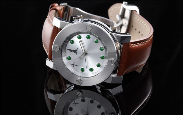 The Chinese Timekeeper is the first exclusive timepiece of Chinese heritage!  4