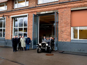 The Volvo Group turn back time in Goteborg by replicating a historic photographic moment. 8
