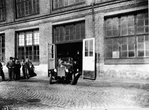 The Volvo Group turn back time in Goteborg by replicating a historic photographic moment. 7