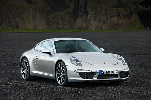 The Porsche 911 is awarded the 2012 World Performance Car at IAA Motor Show.