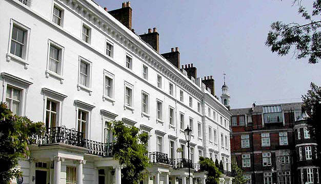 UK Super-prime country properties continue to rise in value as price falls ease in prime market.