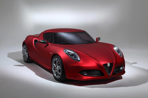 Alfa Romeo Enjoys Success in Villa D'Este with 4C and the 1933 6C 1750 GS.
