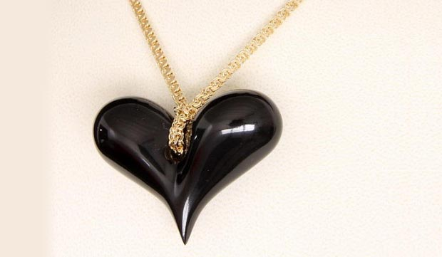 BLACK HEART first jewel designed by Emanuele Rubini dedicated to Amy Winehouse