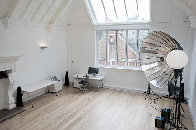 Leica Expands Premium Retail Facilities in London.