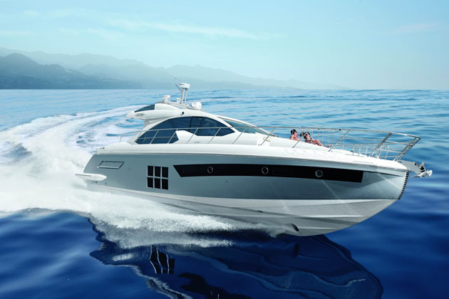 The first premiere concerns the S Collection from Azimut Yachts, which with the new Azimut 55S aims to revolutionise the concept of sporty yachts.