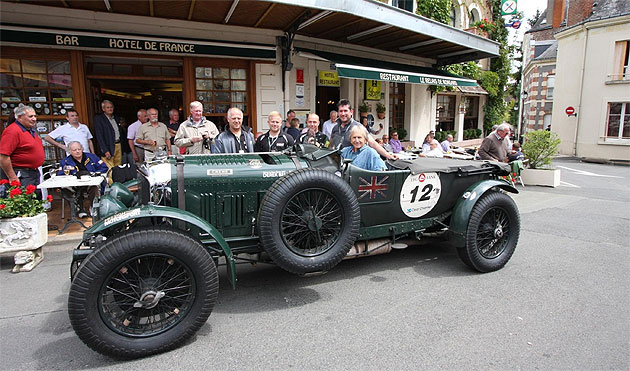 Bentley's brand ambassador Derek Bell MBE, returned to the iconic French race circuit last weekend to spearhead a team the Le Mans Classic.