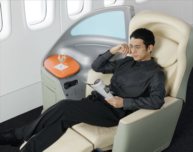 Japan Airlines (JAL) today announced plans to install brand-new seats in every cabin class on its international fleet of 777-300ER aircraft.
