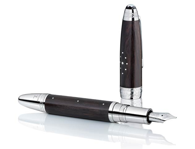 Drawing on each other's expertise, dedication, and inspiration, the craftsmen of Montblanc and Forge de Laguiole worked together to produce the new Montblanc Masters for Meisterstück L'Aubrac Editions. Fusing the heritage of Montblanc as the Maison of exceptional writing instruments with that of Forge de Laguiole as the epitome of the finest French knives, this unique collection encompasses masterpieces of truly sublime artistry.