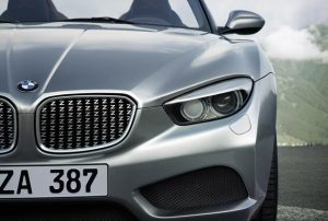 A low-set kidney grille, complete with intricate z-design grating, as well as focused twin circular headlights and a three-dimensional front apron shape the expressive face of the BMW Zagato Roadster, as they do the front end of the Coupé. It is this area of the car that provides the stylistic link between the two models, giving them a clear identity, reflecting their family ties and, at the same time, making them easily recognisable.