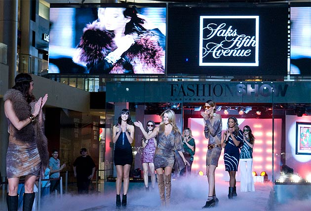 America's Premier Shopping Places, a collection of shopping and dining destinations located throughout the USA is joining in the celebration of Fashion's Night Out, an annual event celebrating style and fashion around the world.