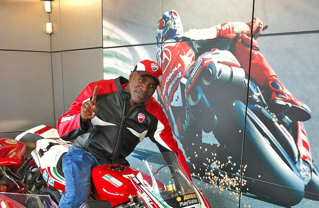 Legendary boxer and five times World Heavyweight Champion, Evander Holyfield last week popped into one of Ducati's premier dealerships, Ducati Manchester, during his trip to the UK.