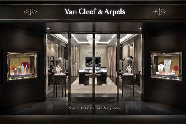 Van Cleef Amp Arpels Celebrates The Grand Re Opening Of Its