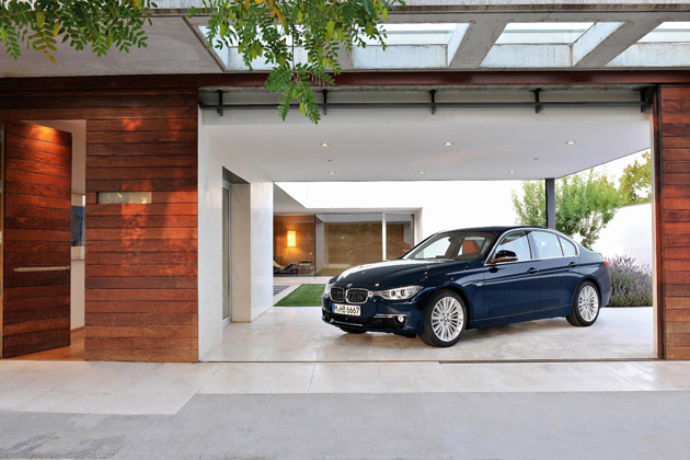 the new BMW 3 Series Saloon now has a new entry point into ownership with the introduction of the 316i.  Powered by a 1.6-litre four-cylinder petrol engine with TwinPower Turbo technology, the 316i produces just 134g/km CO2 whilst returning 47.9mpg.  These efficiencies have not compromised the performance of the car with the 316i creating 136hp with a maximum torque of 220Nm. Fitted as standard with a six-speed manual gearbox, the new BMW 316i Saloon accelerates from zero to 62mph in 8.9 seconds, and on to a top speed of 127mph.