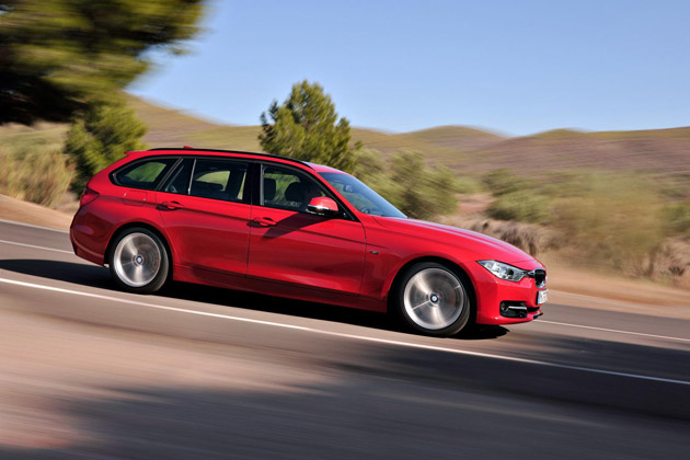 The 2.0-litre petrol engine driving the new 320i Touring generates 184hp and 270Nm torque using BMW TwinPower Turbo technology, pushing the car from zero to 62mph in 7.5 seconds and onto a top speed of 145mph. With CO2 emissions of just 152g/km and fuel consumption of just 60mpg, on the combined cycle, or 145g/km CO2 45.6mpg when fitted with the optional eight-speed automatic transmission, the 320i Touring blends effortless performance with outstanding economy.