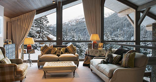 The Chalet Brames is the height of luxury and with high quality, modern ammenities including Satellite TV in the expansive cinema room, wireless internet throughout the chalet and a Zeplin music system whereby you can play your own choice of music. One of the most popular features within the chalet is the large, beautiful spa containing a unique Hanam pool instead of traditional steam room and 2 treatment rooms which can help you wind down after a days skiing.