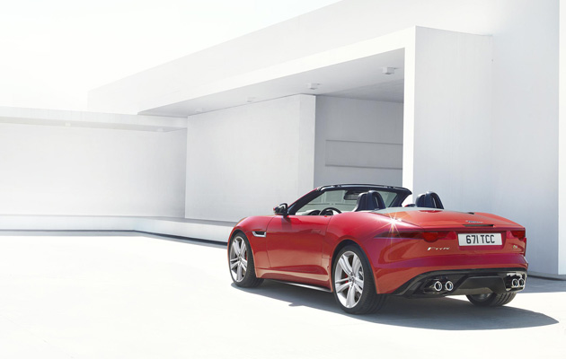 The 380PS V6 F-TYPE S covers the 0-60mph sprint in 4.8 seconds (0-100km/h in 4.9 seconds) and has an electronically limited top speed of 171mph (275km/h), with CO2 emissions of 213g/km.