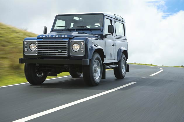 Land Rover Defender customers seeking a higher level of specification can now enhance their vehicle even further with three additional options and a choice of two new exterior body colours, Barolo Black and Havana.
