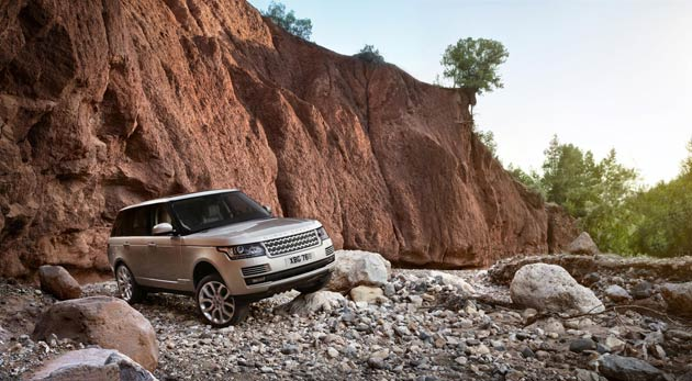 Customers have a choice of a petrol 510PS LR-V8 Supercharged and two diesel (3.0-litre 258PS TDV6 and 4.4-litre 339PS SDV8) engines, all of which are now paired with a smooth and responsive eight-speed automatic transmission. True to the Range Rover DNA, the new model features the unique Command Driving Position, placing the driver in an elevated, upright seating position – typically over 90mm higher than other premium SUVs – to provide a supreme sense of confidence and control.