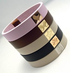 To further establish the brand, the SOA symbols are engraved on the 18k white, pink and yellow gold set with brilliant diamonds or not. Each bracelet contains at least one diamond in the 'O' of SOA. Fully produced in Swiss factories, the rubber takes shape in Biel as the jewelry is fashioned in the workshops in Geneva. For the future collections the brand plans the use of a variety of materials in addition to gold.
