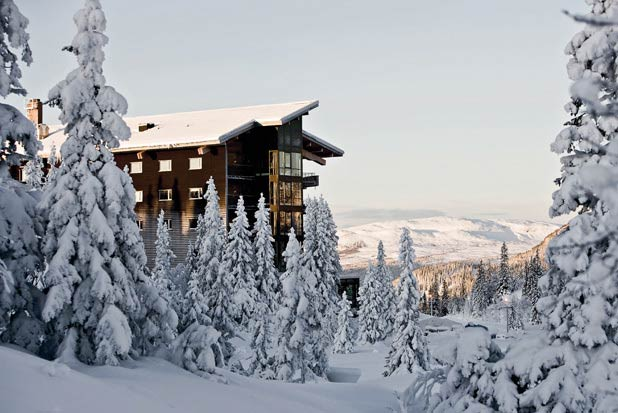 Resting On The Top Of Sweden S Picturesque Mount Förberget Is Copperhill Mountain Lodge Architect Peter