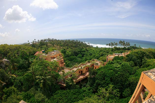 Holistic Detoxing at the luxurious Barberyn Beach Resort in Sri Lanka.