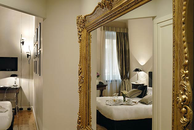 Crossing Condotti - A Luxury Boutique Townhouse Hotel in the Heart of the Eternal City