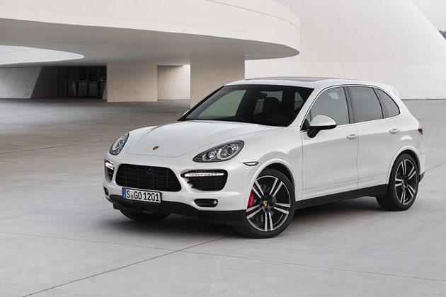 A sports car in SUV clothing: Porsche Cayenne Turbo S with 550 hp.