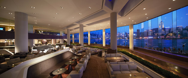 InterContinental Hong Kong has unveiled a stylish new look for its iconic Lobby and Lobby Lounge. Created by architecture firm Woods Bagot Hong Kong studio, the stunning design enhances the mesmerising appeal of this venue from morning until late at night.